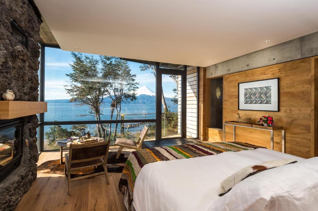 Hotel AWA (Chile Puerto Varas) - Booking.com