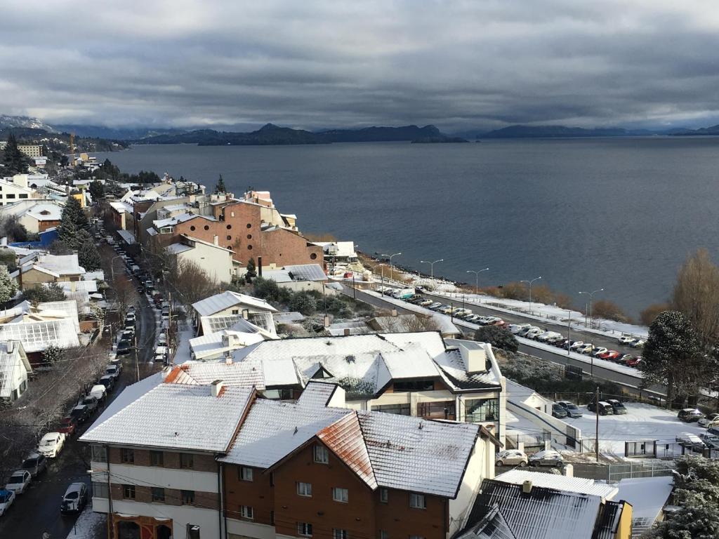 Una vista aérea de Vista Al Lago Apartments