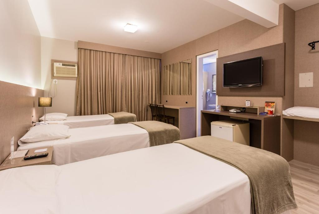 A room at Hotel Farol da Ilha