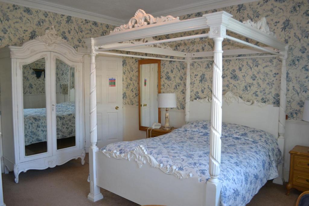 Cranleigh Hotel