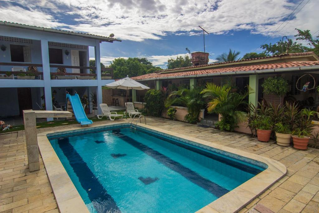A piscina localizada em Casa da Vovó Rute ou nos arredores