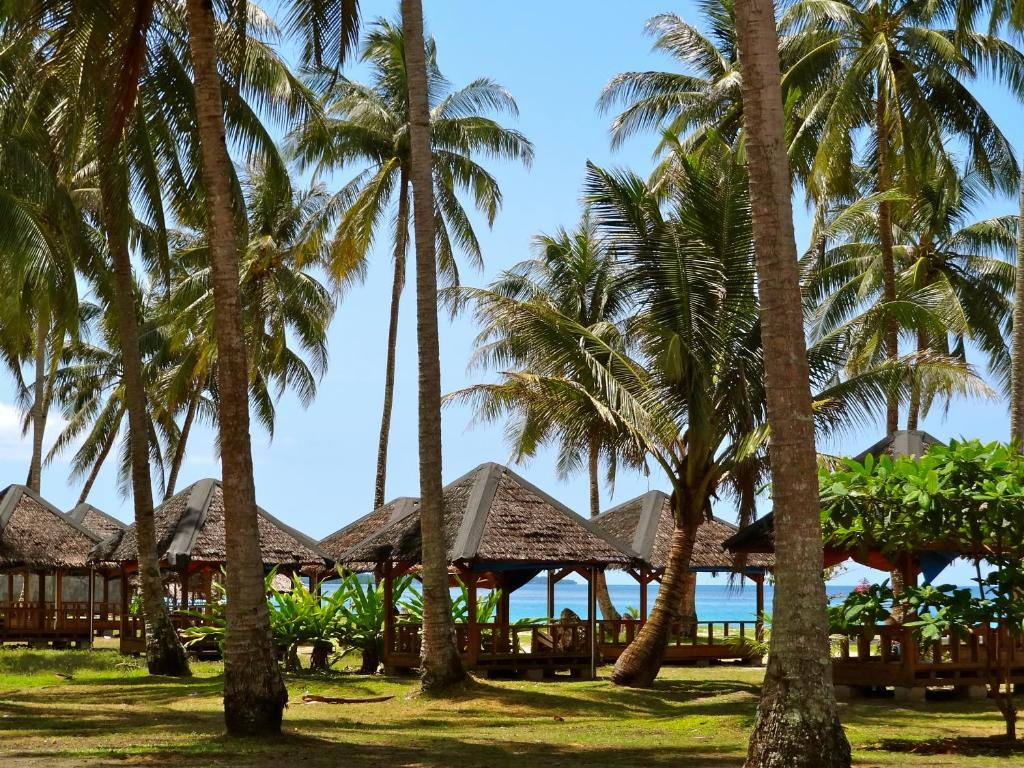 A garden outside Serumpun Padi Emas Resort