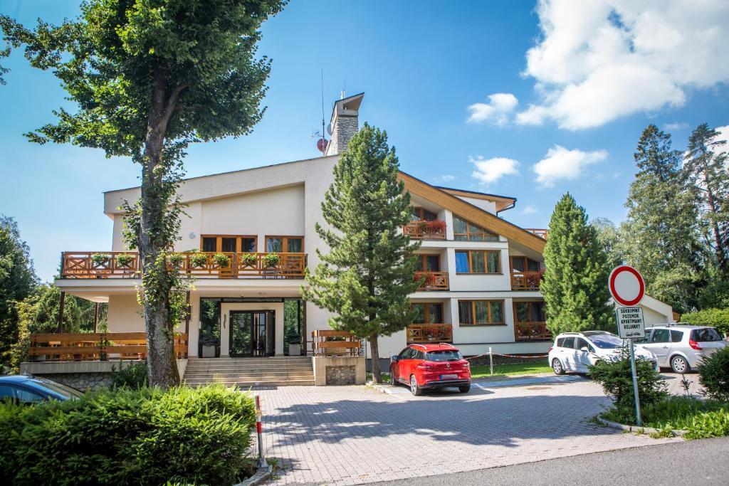 Budova, v ktorej sa apartmánový hotel nachádza