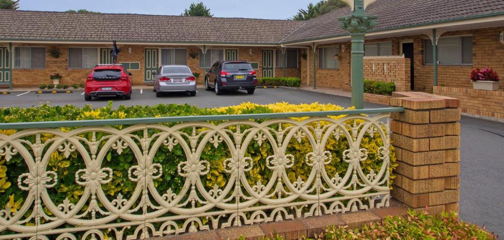 A balcony or terrace at Parkhaven Motel