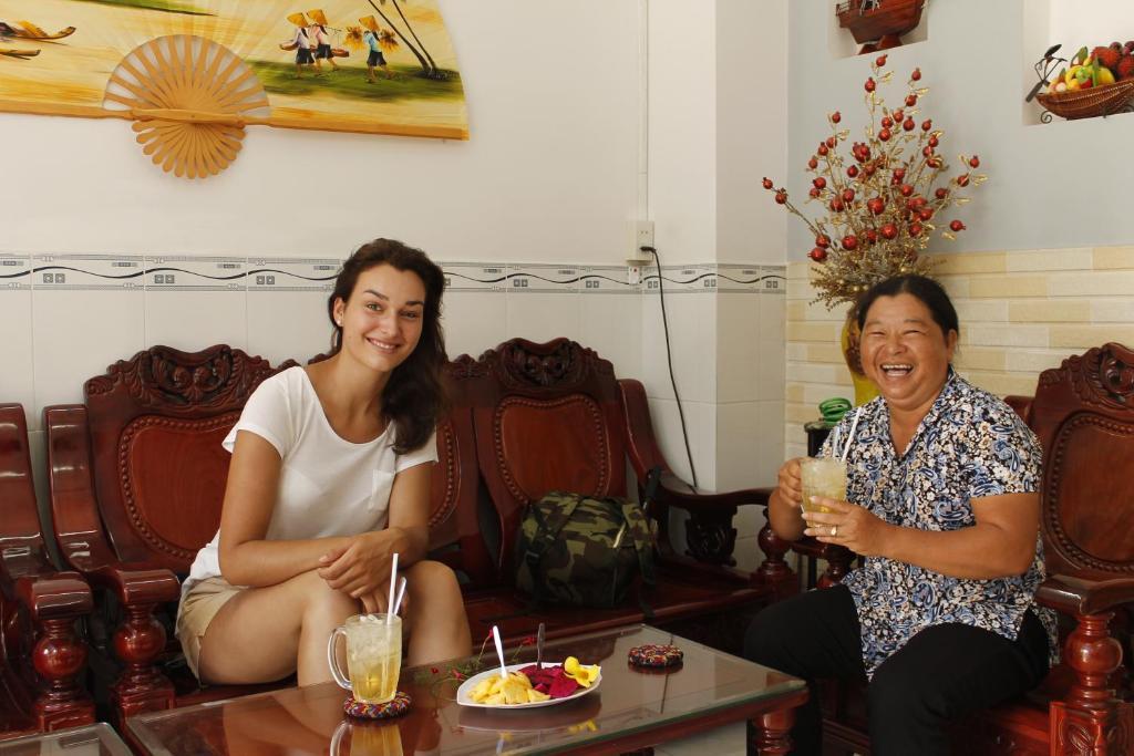 Nhân viên tại Thanh Ha Guesthouse
