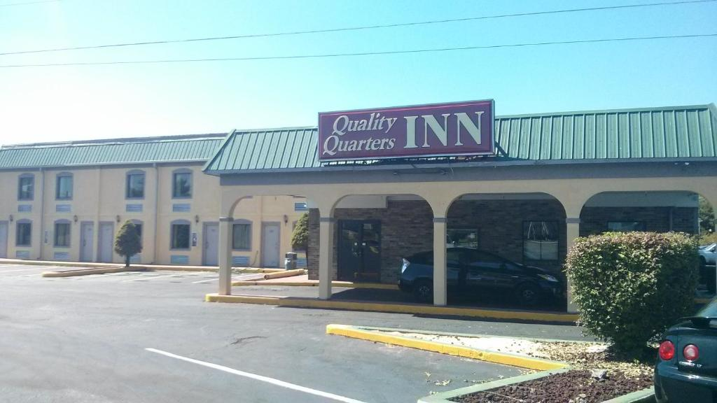 Quality Quarters Inn