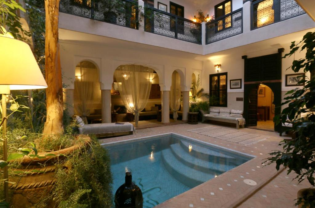 Bazén v ubytovaní Riad Anjar alebo v jeho blízkosti