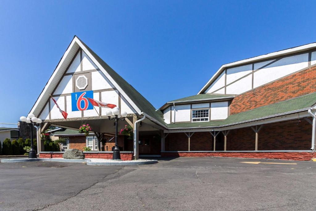 Trenton Street Fair 2020.Motel 6 Trenton On Canada Booking Com