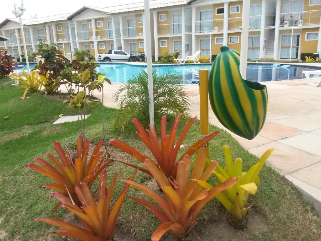 A garden outside Porto Seguro - BA Apartamento Taperapuan