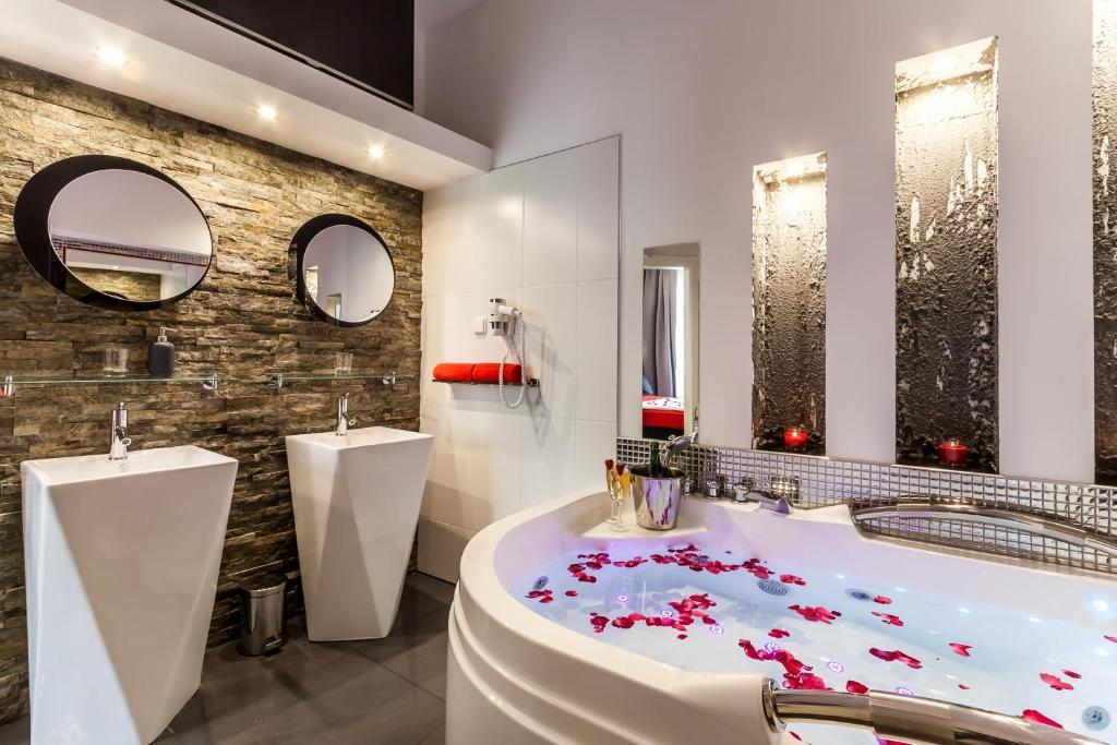 Un baño de Komorowski Luxury Guest Rooms