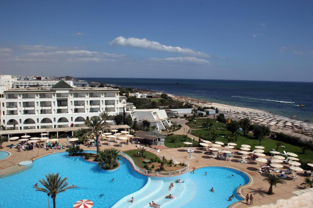 A view of the pool at El Mouradi Palm Marina or nearby