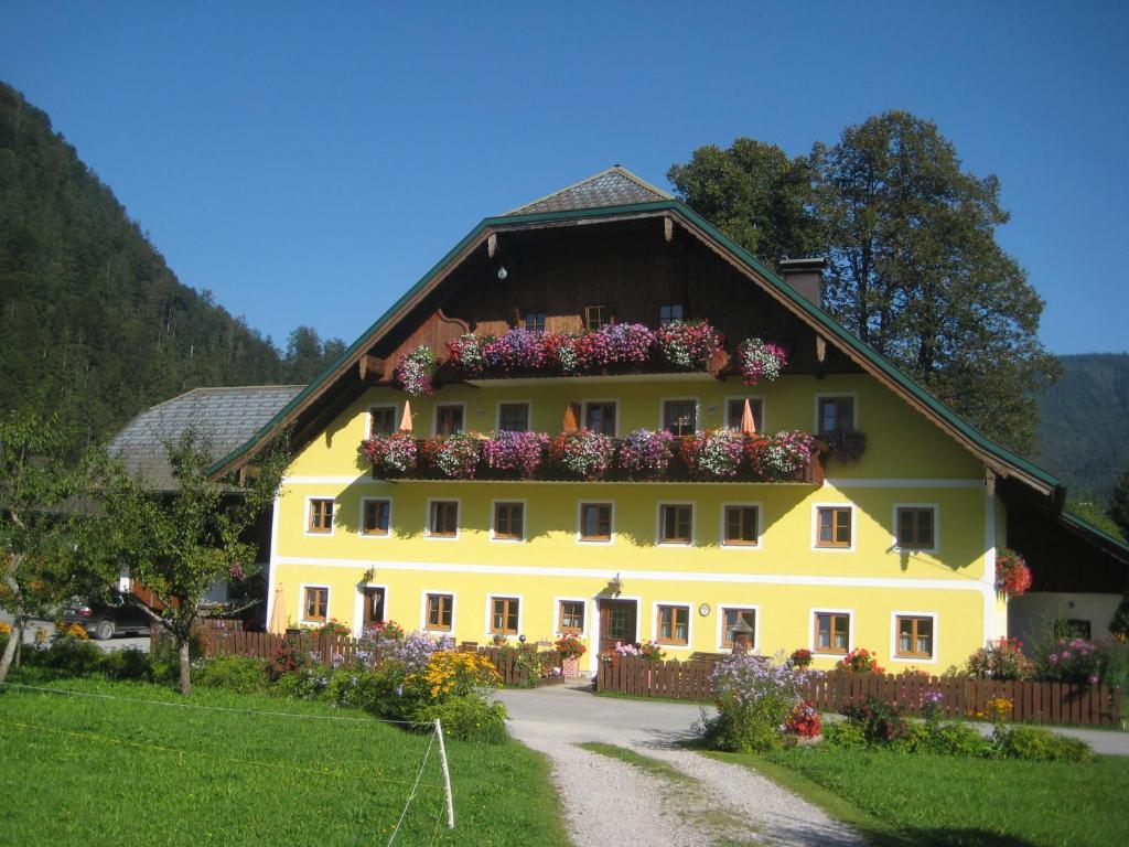 A garden outside Biobauernhof Hauserbauer