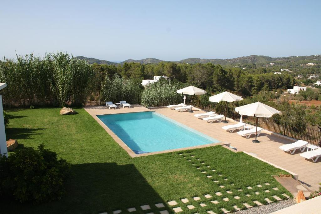 A view of the pool at La Pitiusa Agroturismo or nearby