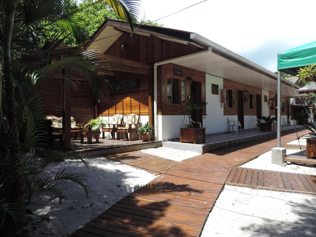 A porch or other outdoor area at Pousada Do Siri