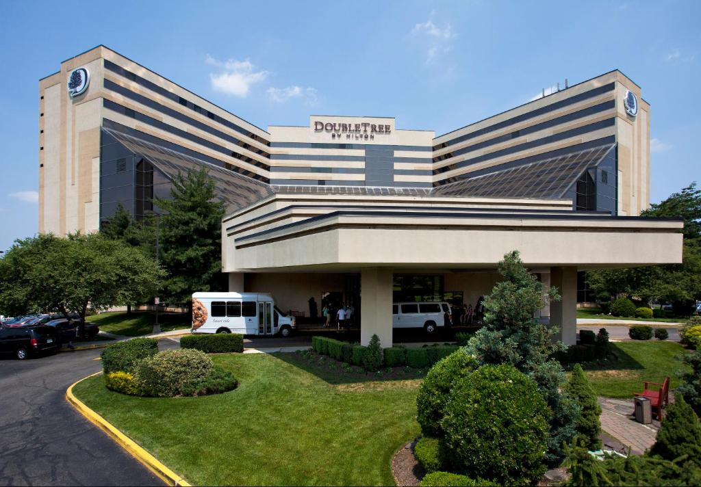 DoubleTree by Hilton Hotel Newark Airport.