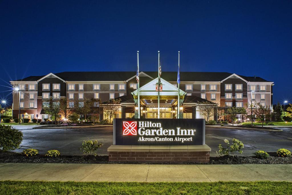 Hilton Garden Inn Akron - Canton Airport.