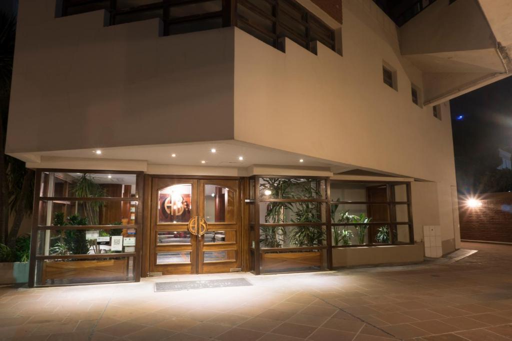 Hotel Bahia (Argentina Villa Gesell) - Booking.com