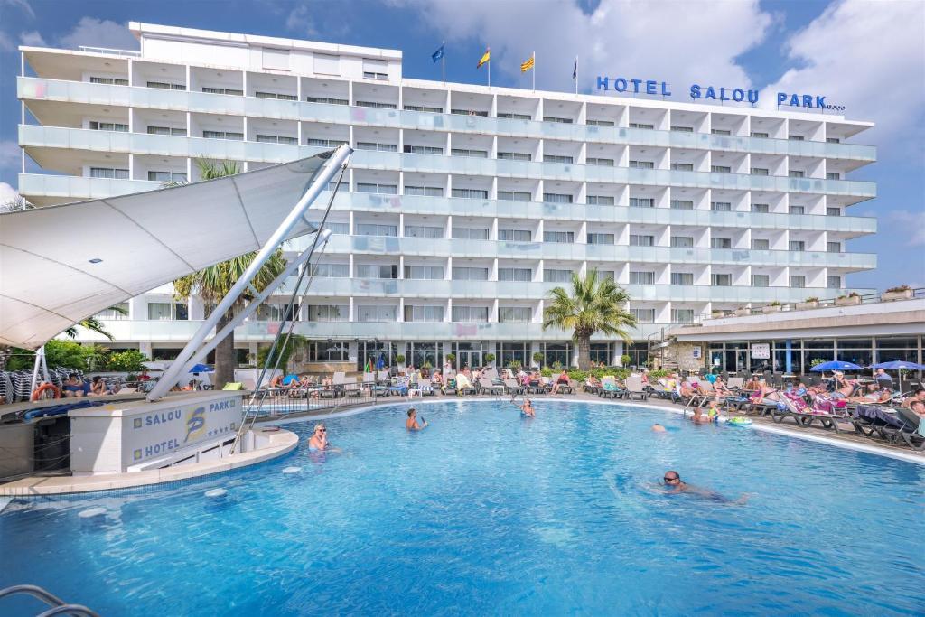 Het zwembad bij of vlak bij 4R Salou Park Resort I