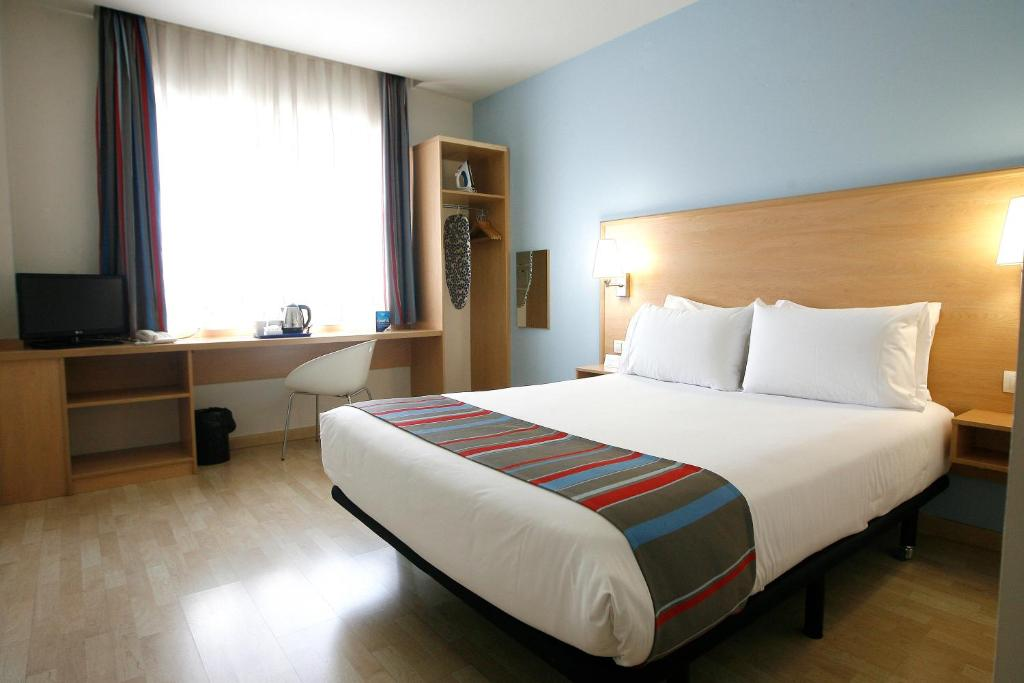 A room at Travelodge Torrelaguna