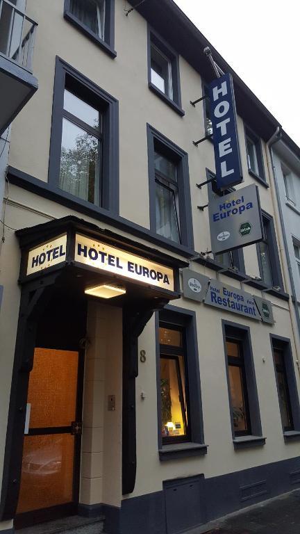 The facade or entrance of Hotel Europa