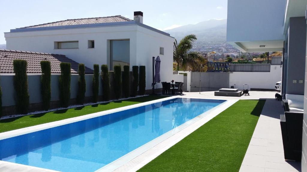 Villa Deluxe La Quinta, Santa Úrsula, Spain - Booking.com