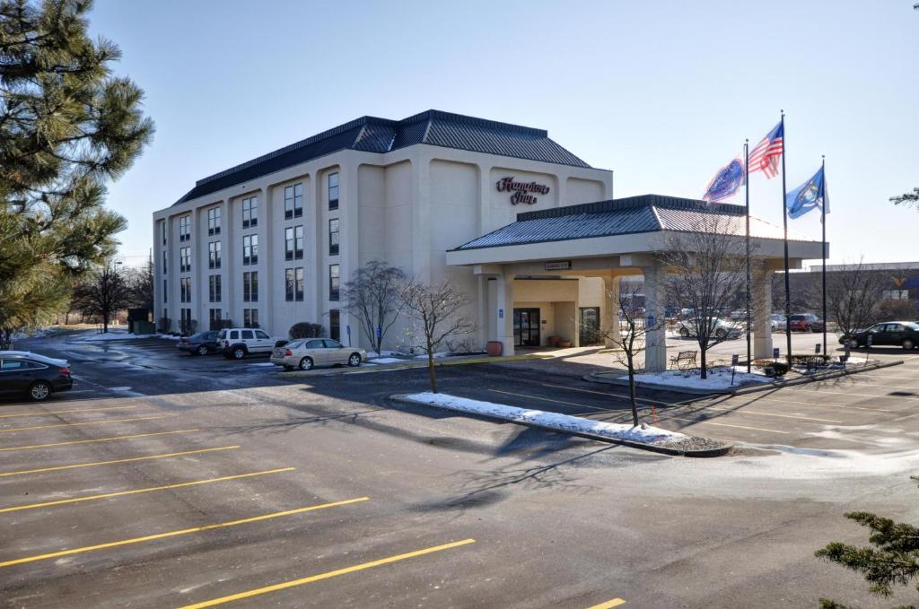 Hampton Inn Northville, MI - Booking.com