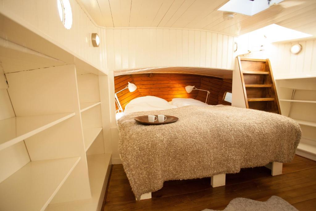 A room at Prince Royal B&B