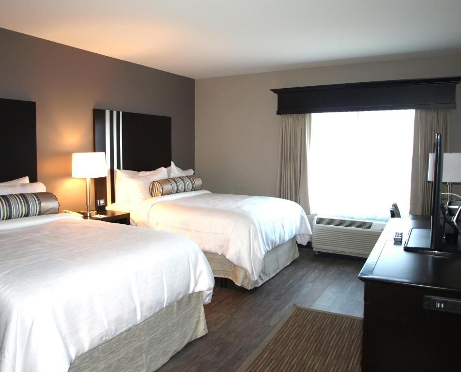 Hotel at Batavia Downs, NY - Booking.com