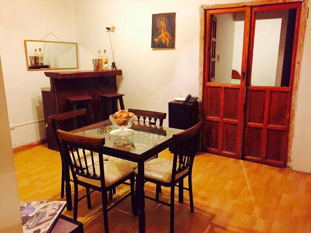 Un restaurante o sitio para comer en Casa Castillo