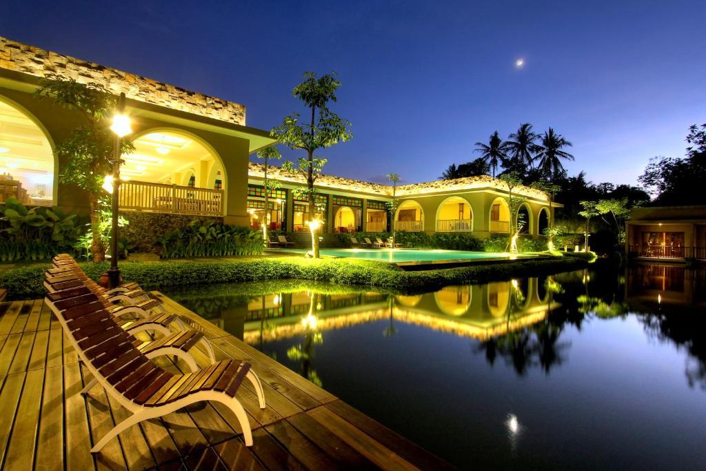 The swimming pool at or near The Westlake Hotel & Resort Yogyakarta