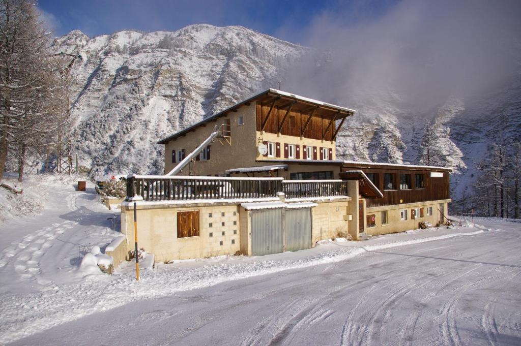L'établissement Gite d'étape le Belvédère de Sainte-Anne en hiver