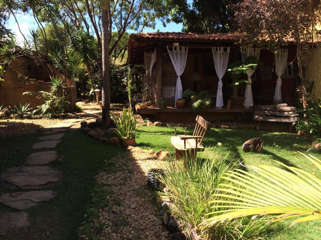 A garden outside Pousada Bambu Brasil