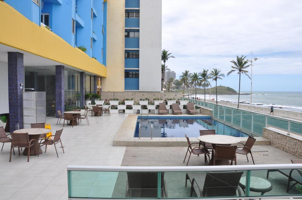 A restaurant or other place to eat at Ap 210 Bahia Flat, Barra