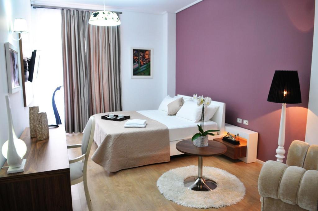 Golden City Hotel & MYSPA tesisinde bir oda