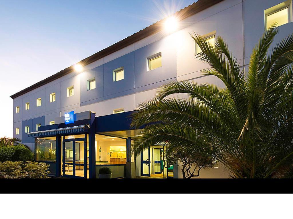 Façade ou entrée de l'établissement ibis budget La Rochelle Centre