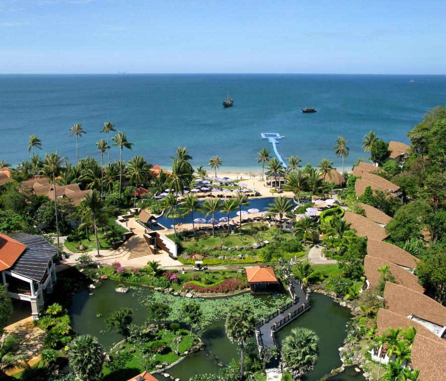 A bird's-eye view of Rawi Warin Resort And Spa
