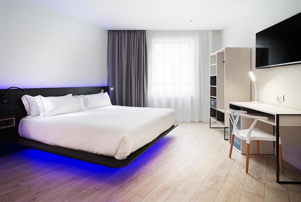 Letto o letti in una camera di B&B Hotel Madrid Centro Puerta del Sol