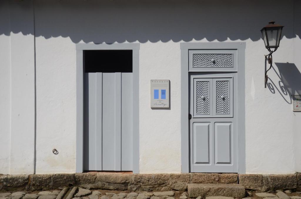 The facade or entrance of Pousada Casa de Paraty
