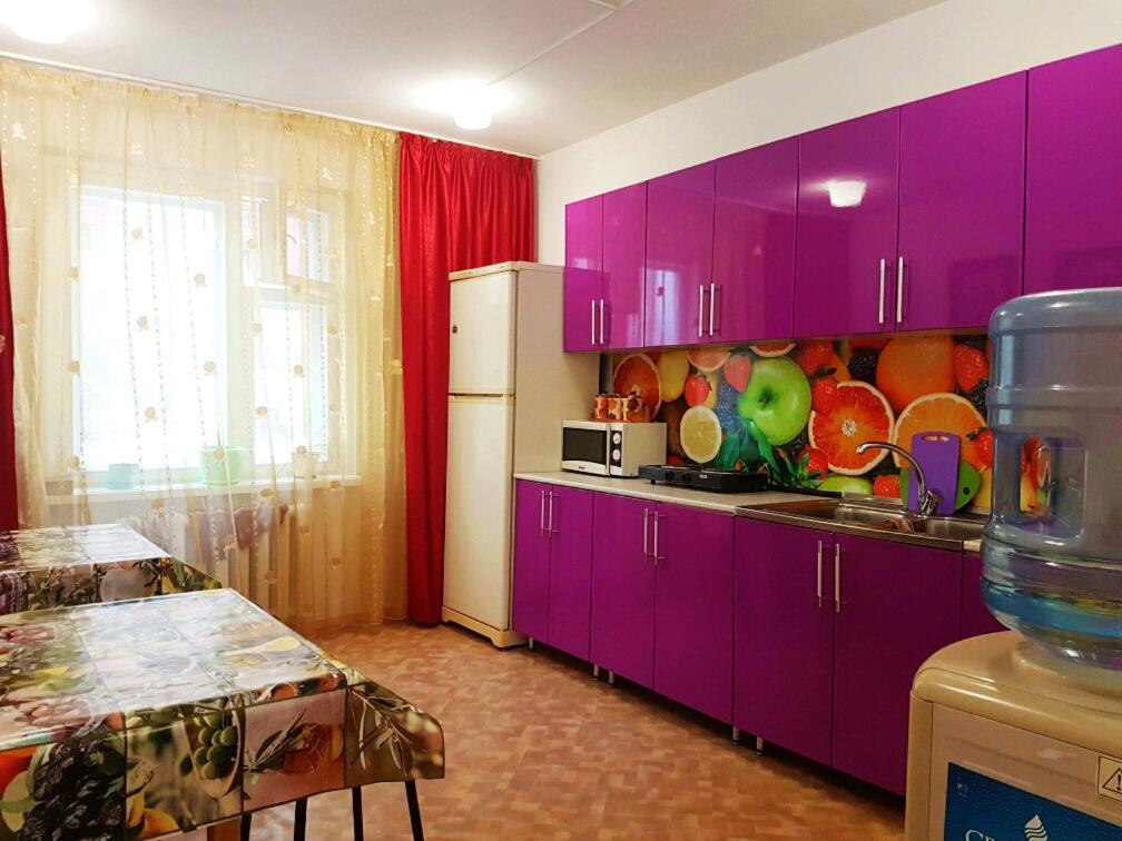 Кухня или мини-кухня в Хостел Уют в Курске