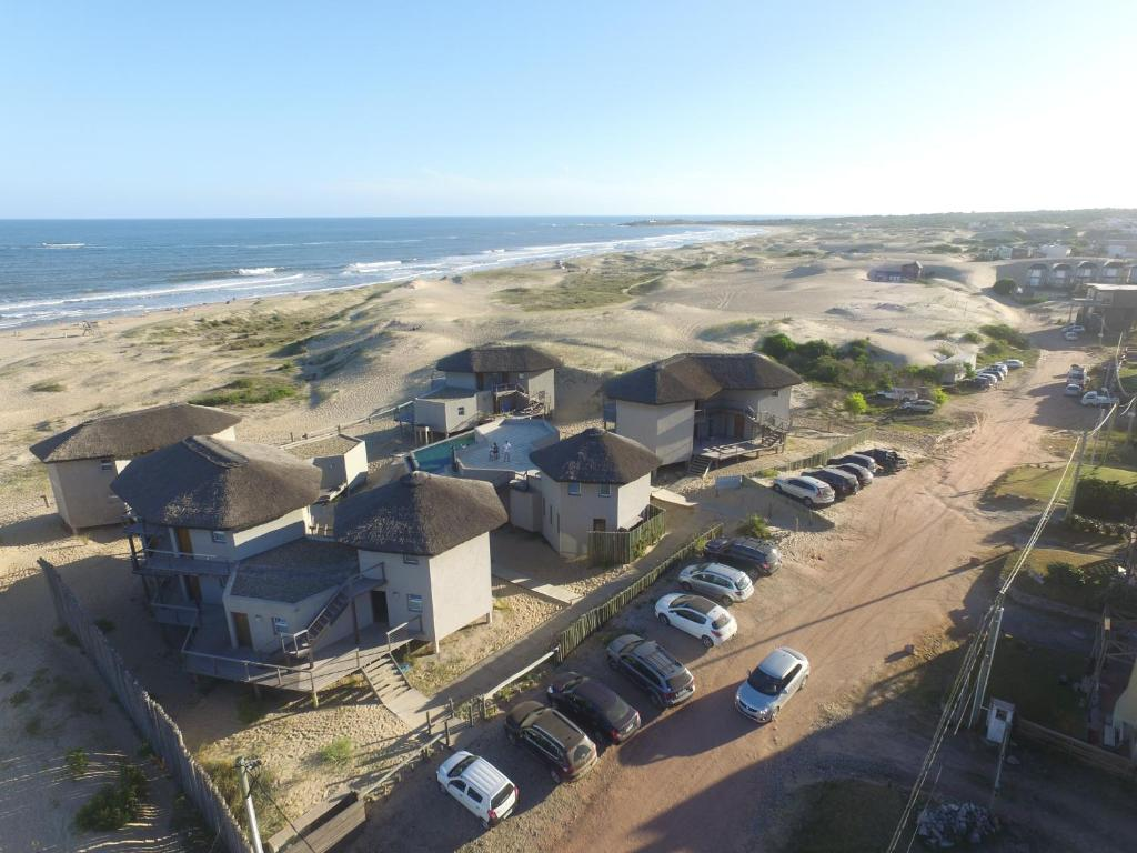 A bird's-eye view of Marisma Apart Hotel & Suites