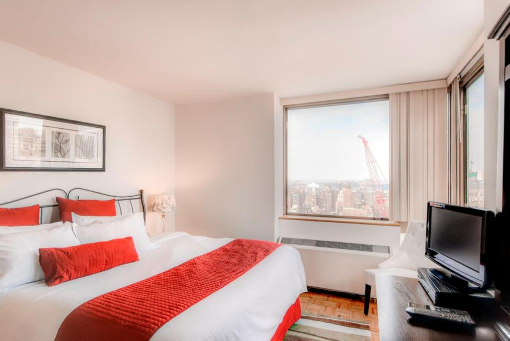 Global Luxury Suites at 777 6th Avenue