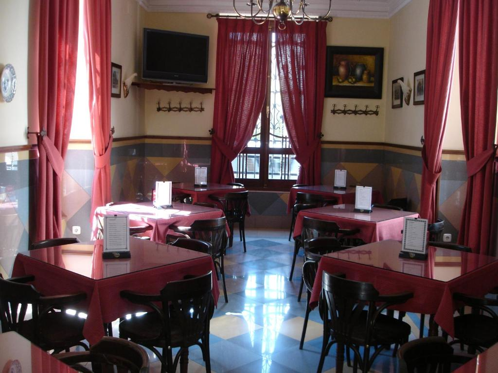 A restaurant or other place to eat at Hotel Villa Maria