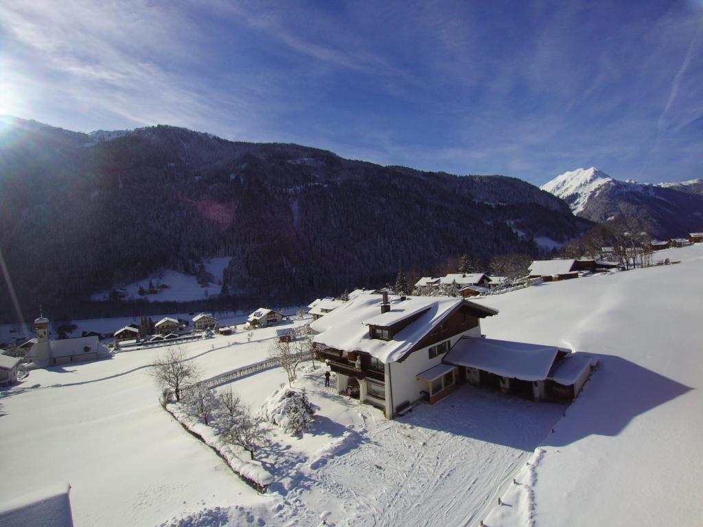BERGFEX: Schnee Iglu & Iglu Glamping: Bed & Breakfast