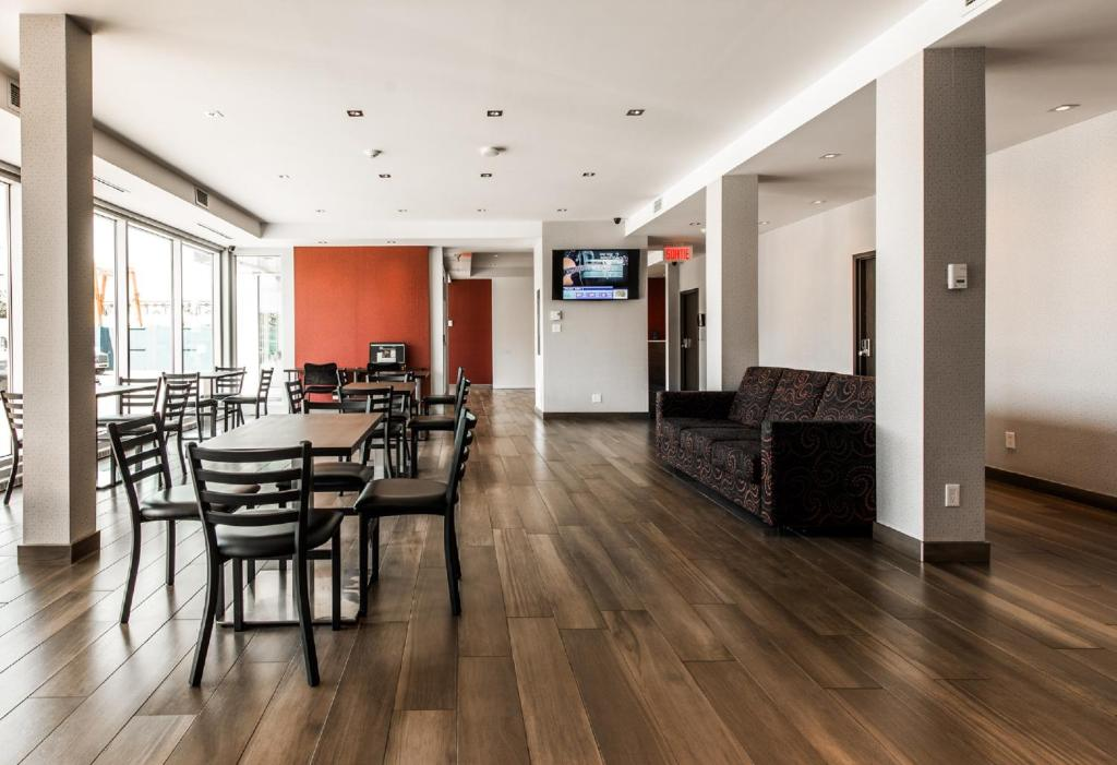 The lobby or reception area at Hotel Newstar