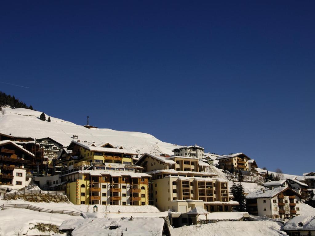 Hotel Garni Alpenjuwel during the winter