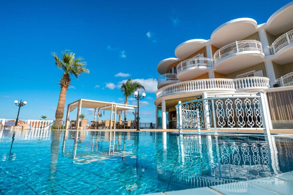 The swimming pool at or close to Arkadia Hotel