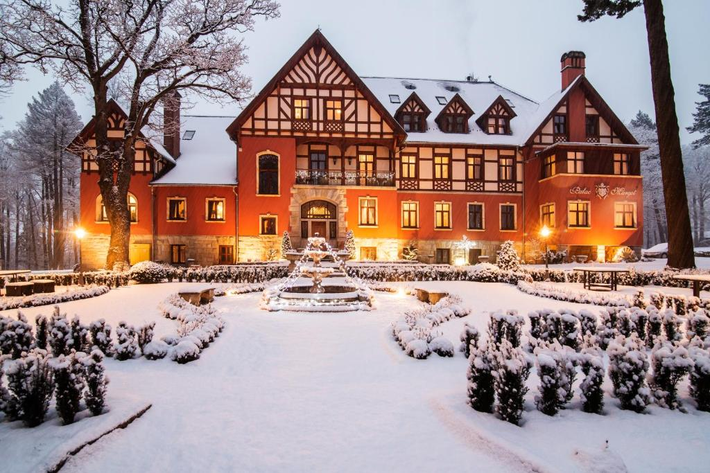 Pałac Margot SPA during the winter
