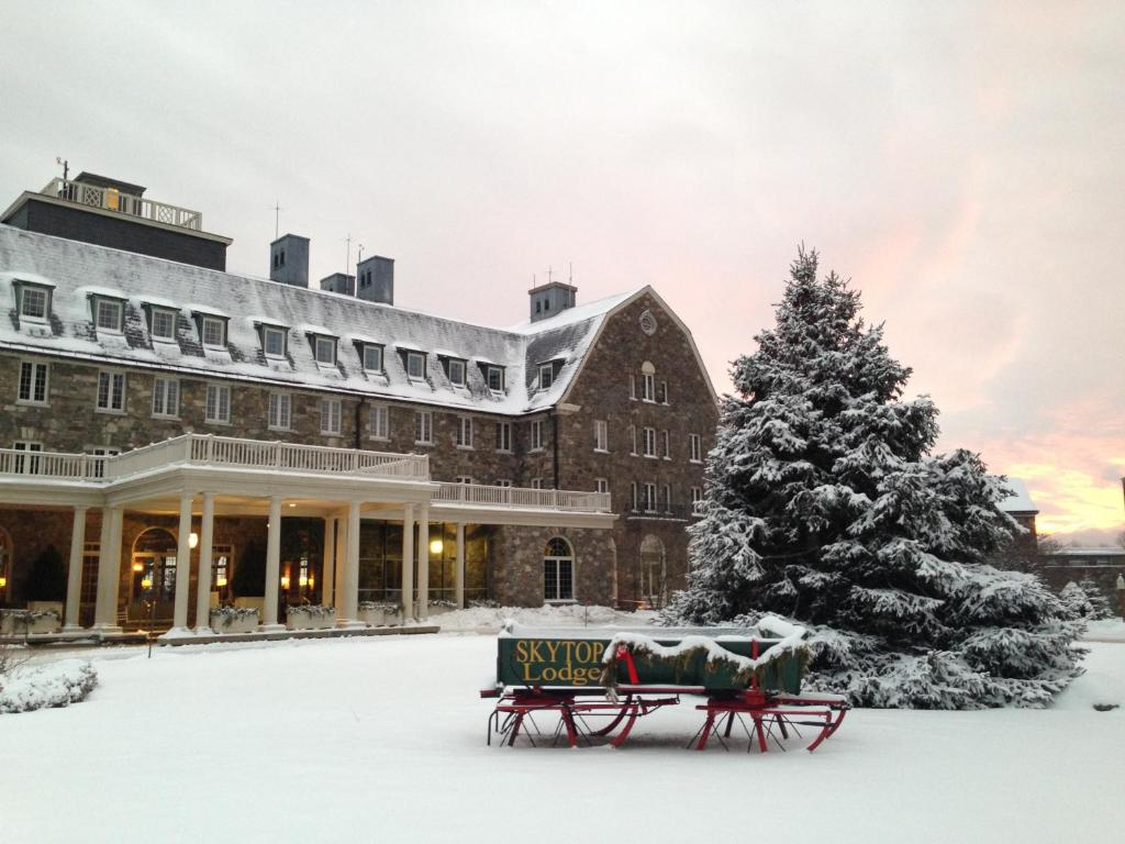 Skytop Lodge during the winter