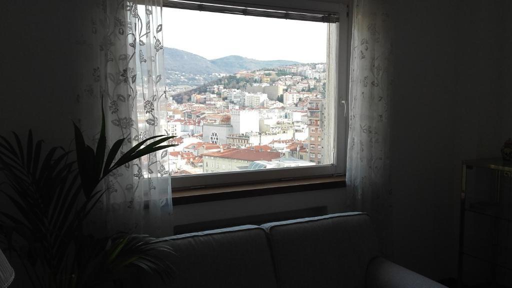 datazione vetro finestra storica