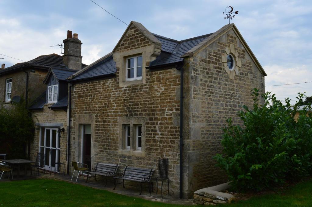 Crossroads Farm - Queen Anne's Stable